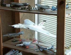 Airfix 1/72 scale Avro Vulcan among other models of the same scale