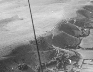 Aerial photo of hang gliding at the Devil's Dyke in 1980