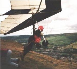 Skyhook Gipsy launching from Merthyr Common, Wales. Copyright © 2001 John and Paula Eager.