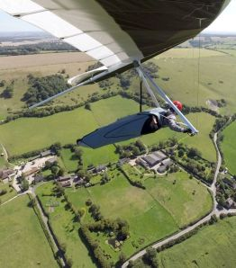 In-flight hang glider photo