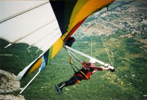 In-flight hang gliding photo
