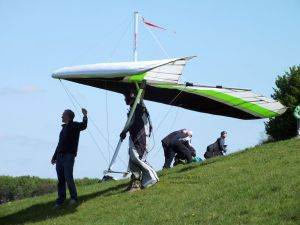 Wills Wing 175 Sport 2 waiting to launch at Monk's Down