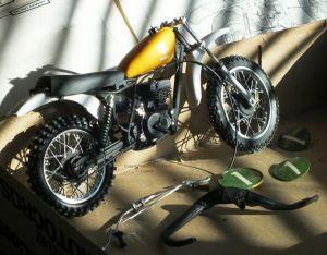 Twelfth scale Suzuki motocross bike