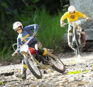 Revell 1/12th scale Husqvarna and Suzuki motocross bikes with Tamiya riders