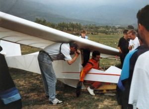 Rigid hang glider after landing at Ager in September 1989