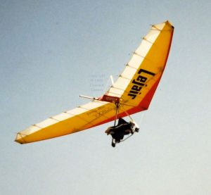 Tony W. flying in Lanzarote, January or February 1989