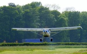 Tim lifts off in his Kitfox