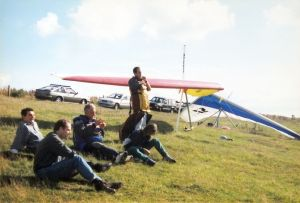 Hang glider pilots at Bell Hill in August 1997