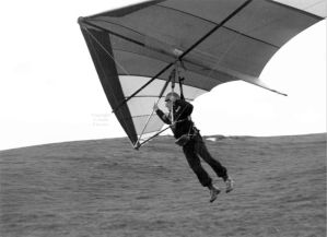 David Parsons flying a Chargus Vortex hang glider