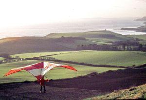 Roly Lewis-Evans flying his home-constructed Skyhook IIIA standard Rogallo at Kimmeridge in 1975