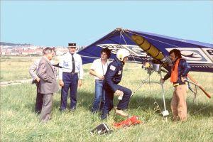 Powered Safari having landed at Le Touquet airport. Copyright © 2001 Len Gabriels.