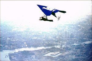 London Safari. Photo copyright © 2001 Len Gabriels.