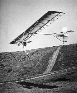 Art based on a photo by John Underwood of Volmer Jensen flying his VJ-24 SunFun in 1973