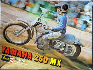 Revell 12th scale Yamaha 250 MX bike box top photo