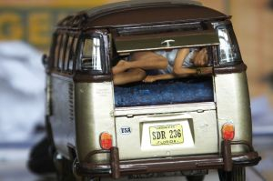 Revell 1/24 scale VW Samba Bus with figures
