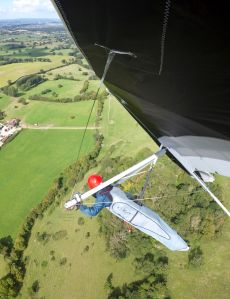 Hang glider turning in lift at Bell Hill, UK, in 2020