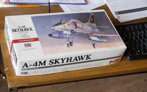 Hasegawa Douglas A4-4M Skyhawk box