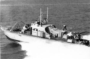 Fast patrol boat HMS Brave Borderer accompanying the 1969 round-Britain powerboat race