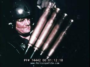 Loading a clip into a 40mm gun